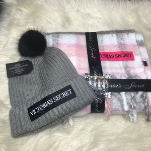 Victoria Secret SET  Hat and Scarf Gray-White-Pink
